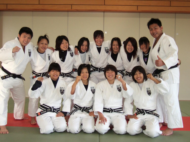 大学・柔道部での集合写真